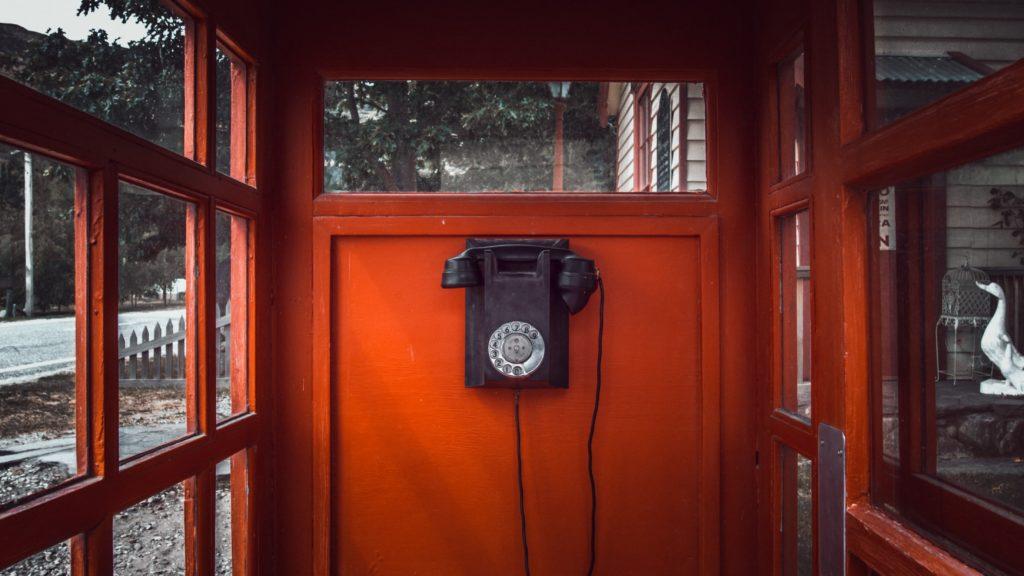 Kontakt Bild Rote telefonzelle